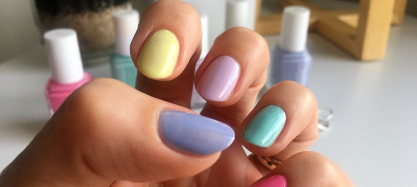 Spring favorite: pastel rainbow nails