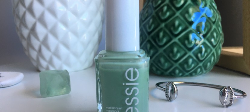 A playful manicure with ESSIE Turquoise and Caicos